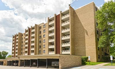 Building, Carriage Park Apartments, 0