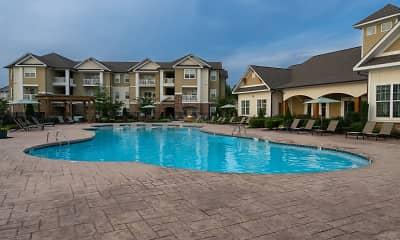 Pool, Legends at White Oak, 2