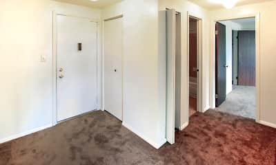 Bedroom, Arbor Heights Apartments, 2