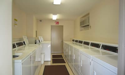 Kitchen, Wilmington Court Apartments, 2