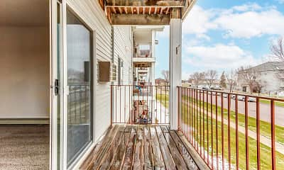 Patio / Deck, Royal Oaks Apartments, 2