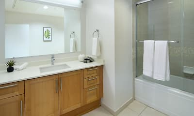 Bathroom, Wilshire Margot, 2