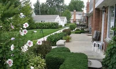 Edgewood Court Townhomes, 2