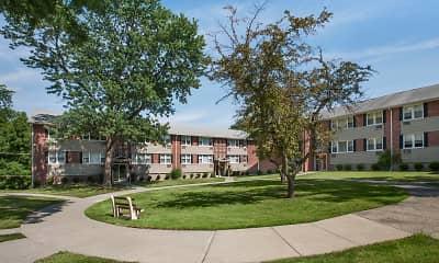 Building, Riverhill Apartments, 0