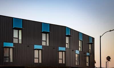 Building, Junction 4121, 2