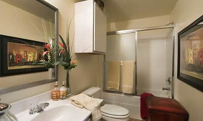 Bathroom, The Fairways At Hurricane Creek, 1