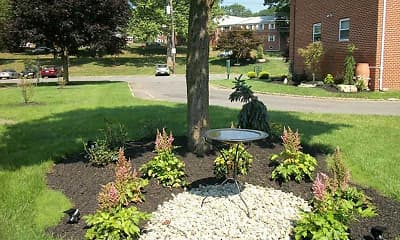 Landscaping, Meadow View Apartments, 0