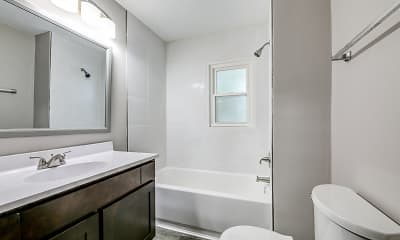 Bathroom, Concord Hall Manor, 2