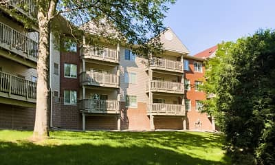 Building, Creekside Apartment Homes, 1