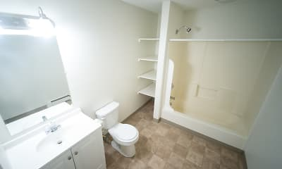 Bathroom, Franklin Landings, 2