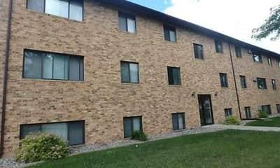 Building, Campus Edge Apartments, 2