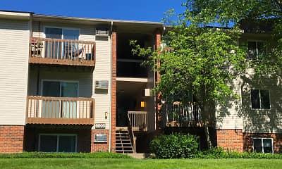 Oakwood Apartments, 2
