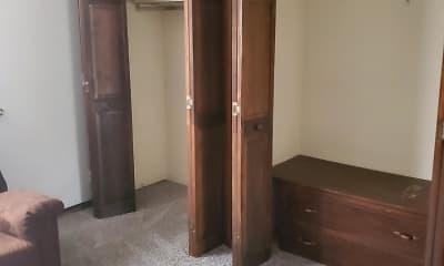 Bedroom, Quail Ridge Apartments, 2
