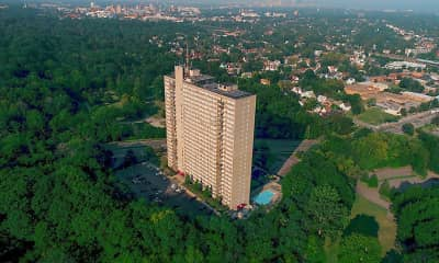 Lake Park Tower Apartments, 1