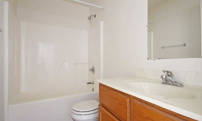 Bathroom, Blackiston Park Place Apartments, 2