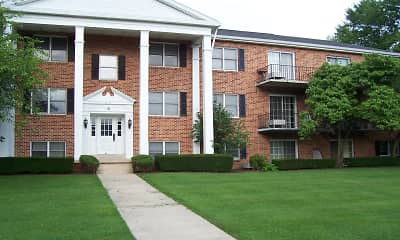 Building, Cedar Run Condominiums, 0