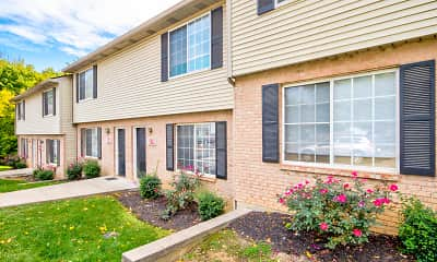 Building, Eagle Ridge Townhomes & Apartments, 0