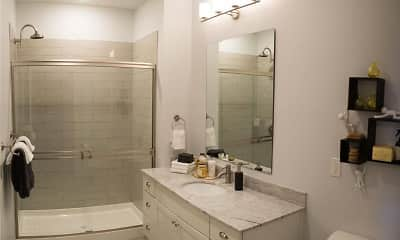 Bathroom, The Pointe at Polaris, 2
