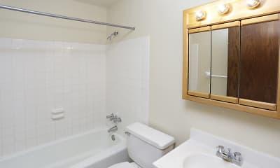 Bathroom, Forest Park II Apartments, 2