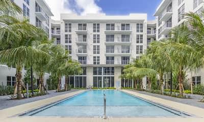 Pool, 850 Living, 0
