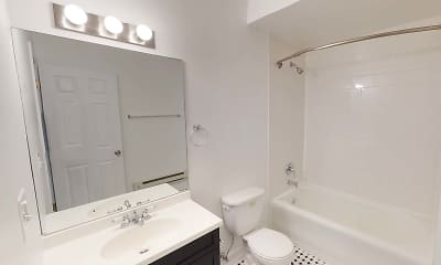 Bathroom, 5222-38 S Drexel Avenue, 2