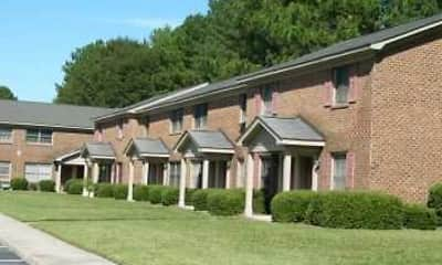 Building, Oakmont Square Apartments, 0