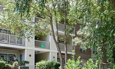 Building, Otter Run Apartments, 1