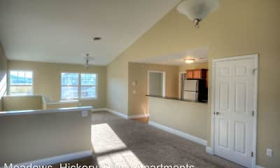 Hickory Grove Apartments, 1