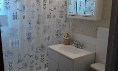 Bathroom, Stephanie Garden, 2
