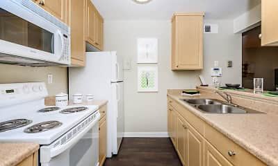 Kitchen, Colter Park Apartments, 1