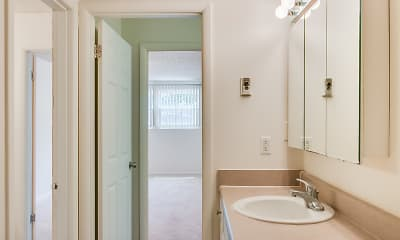 Bathroom, Hull Apartments, 1