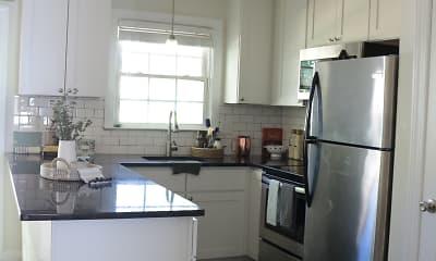 Kitchen, Williamsburg Manor Apartments, 1