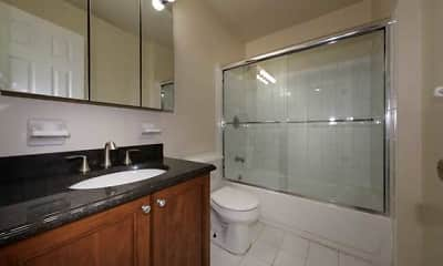 Bathroom, Fairfield At East Islip, 2
