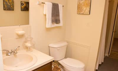 Bathroom, Beechwood Court Apartments, 2
