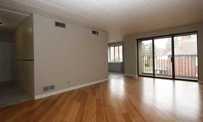 Bellevue Apartments, 1