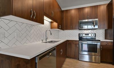 Kitchen, Oaks Union Depot Apartments, 1
