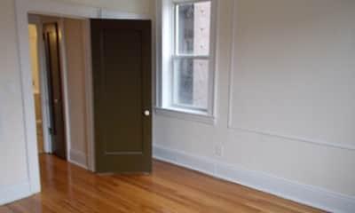 DeHart Apartments, 2