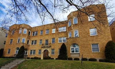 910 Park Manor Apartments, 2