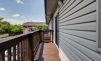 Patio / Deck, Manchester Court, 2