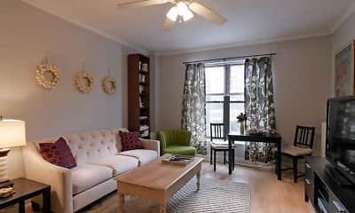 Living Room, 517 W. Oakdale, 1