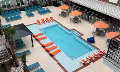 Pool, Delaneaux, 0