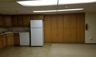Kitchen, Skaff Apartments - Moorhead, 2