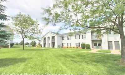 Building, Jackson Farm Apartments, 0
