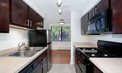 Kitchen, Reside on Pine Grove, 2