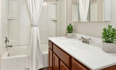 Bathroom, Kingsrow Apartment Homes, 2
