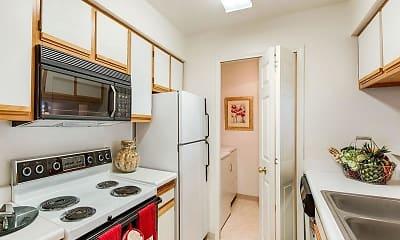 Kitchen, Woodbury Commons, 1