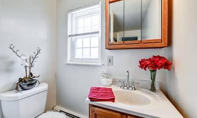 Bathroom, Riverside Gardens, 2