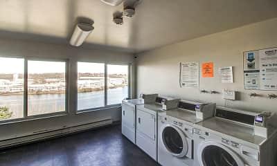 Riverview West Apartments, 1