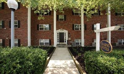 Building, Woodcrest Apartment Homes, 2
