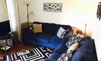 Living Room, Green Acres Short Term Rentals, 1